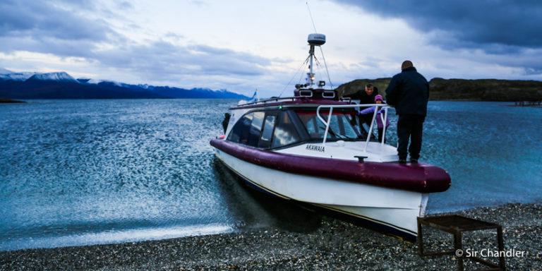 Navegación y cena en el canal Beagle