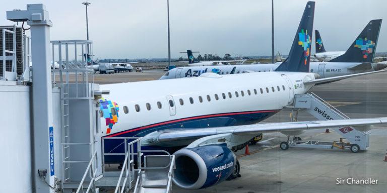 Llegando al aeropuerto del centro de Río de Janeiro con el Embraer 195 de Azul