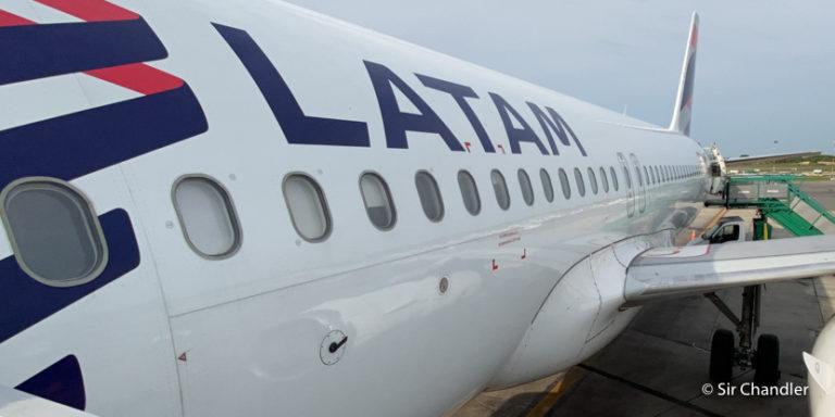 LATAM manda a cancelación las reservas de julio y agosto, por lo que ahora se pueden reprogramar