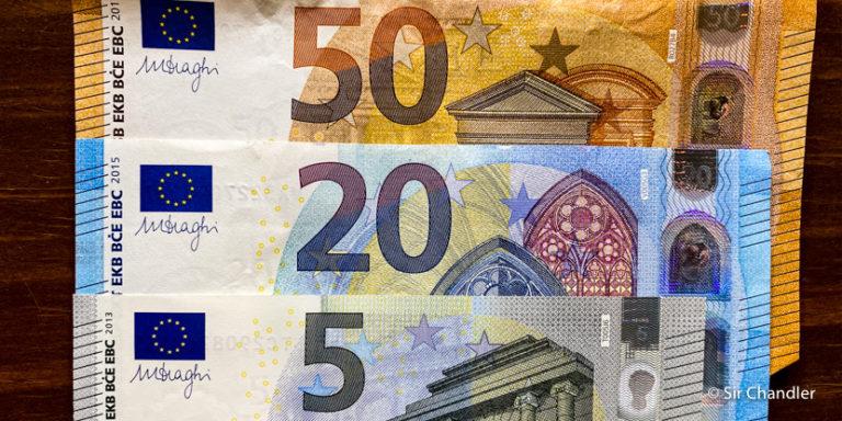 ¿Cuanto efectivo hace falta en Europa para un viaje?