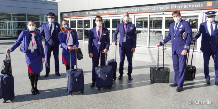Entrevista a tripulantes de un vuelo de repatriados de Latam Argentina