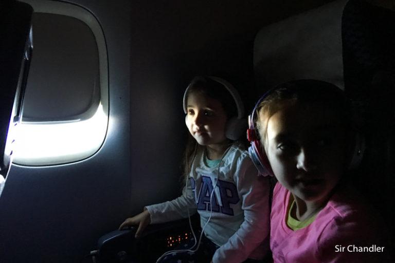 Viajar con bebés y chicos en avión – consejos