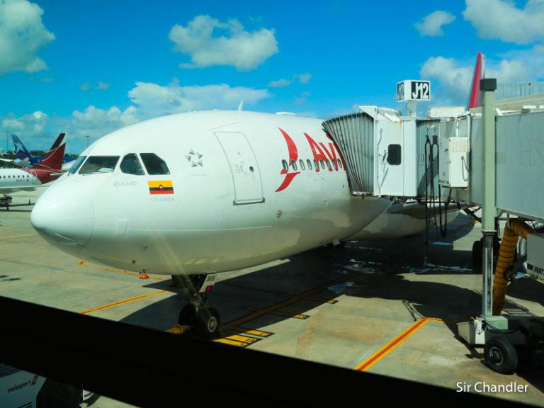 Avianca vuelve a tener «casi» un vuelo diario desde el 17 de octubre