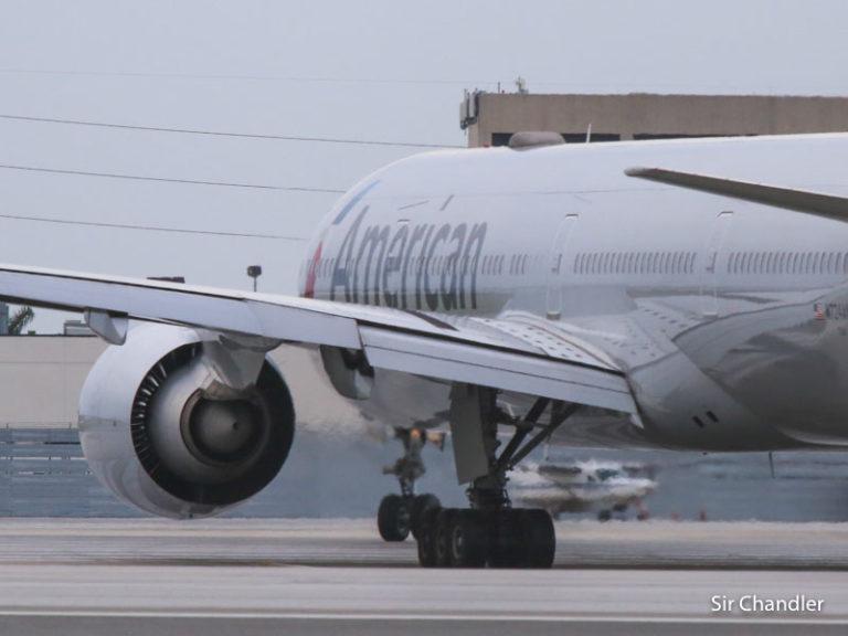 American Airlines baja una frecuencia con Dallas pero pone avión con mayor capacidad de carga