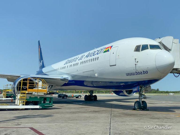 Boliviana de aviación mete tres vuelos especiales en septiembre