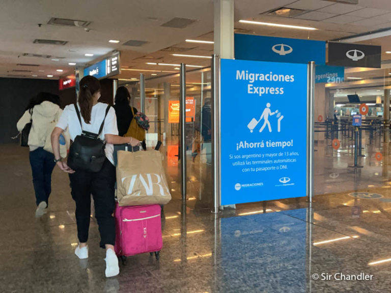 Se cortó el ingreso de familiares directos por el momento desde el exterior