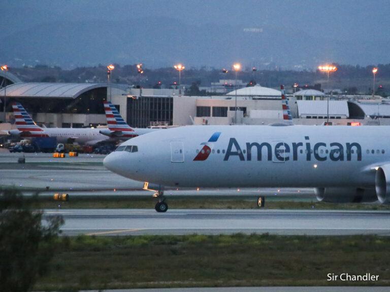 American Airlines busca poner a volar todos sus aviones y llamar a más pilotos