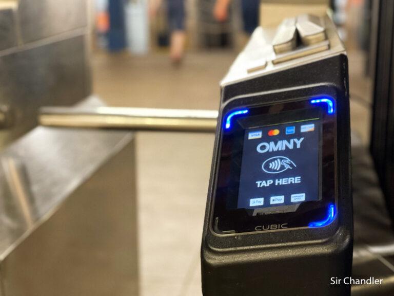 El transporte público de New York se puede abonar directamente con la tarjeta de crédito argentina contactless